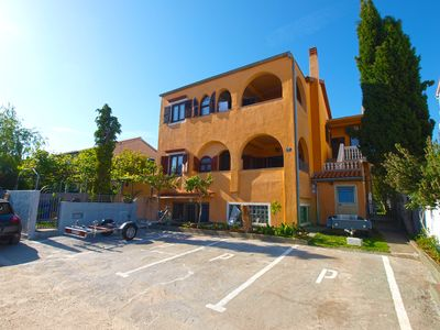 Photo for Holiday apartment Medulin for 6 - 8 persons with 3 bedrooms - Holiday apartment