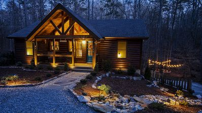 This cabin is a 3 bedroom(s), 3 bathrooms, located in Ellijay, GA.
