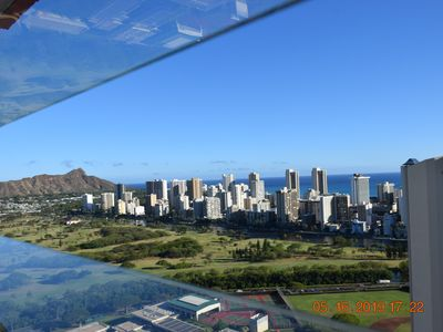 Photo for Beautiful studio apartment on the edge of Waikiki