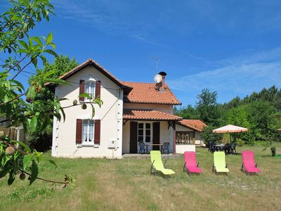 Photo for Wonderful  villa for 10 people with WIFI, TV, pets allowed and parking