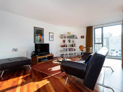 Photo for Modern two bedroom apartment in Islington, Sleeps 6 (Veeve)