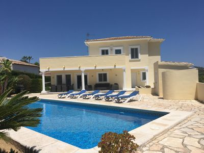 Photo for Modern Villa, easy flat walk to town & flexible arrival day. WIFI/Air Con/Pool