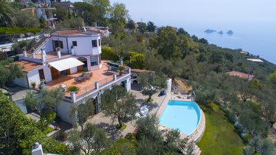 Photo for Villa in Sorrento, Terrace, Swimming Pool, Ocean View and organic orchard
