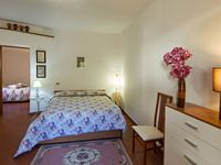 Charming, cozy apartment inside the walls of old Spello.