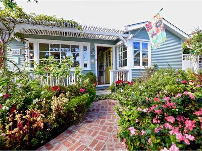 "Photo for LAGUNA ""Charm House"" Cottage! Spa, walk to beach, lots of pk"