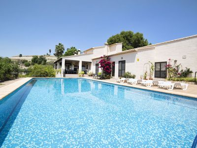 Photo for Wonderful private villa for 8 guests with private pool, TV, balcony, pets allowed and parking