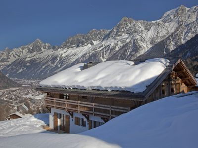 Photo for Luxury chalet, Chamonix-Les Houches, ski-in/ski-out, sauna, steam room & jacuzzi