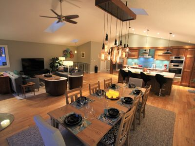 Blue Eagle Guest House - Awesome views of  mountains, Gastineau Channel & Juneau