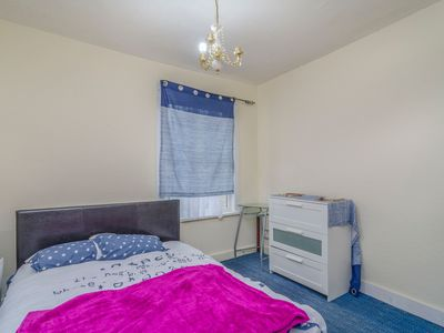Photo for large double room to rent