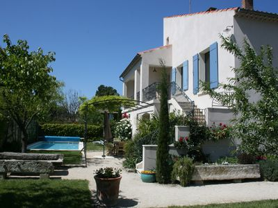Photo for Villa in the center of Saint-Remy with garden, swimming pool, sauna