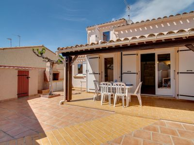 Photo for 2 bedroom Villa, sleeps 6 with WiFi and Walk to Beach & Shops