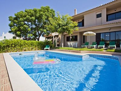 Photo for Villa Andre, 3 bedroom villa with pool - walking distance to Albufeira
