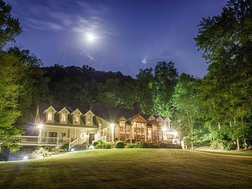 Private 6 Bedroom Luxury Lake Front Property On Over Three Plus Acres.