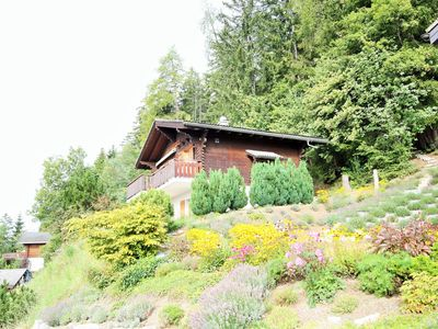 Photo for Comfortable 6-pers. chalet 2 km. from Anzere