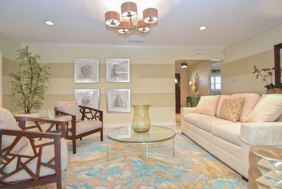 Main Living Room - Enjoy complimentary Wi-Fi in the main living room, and throughout the home.