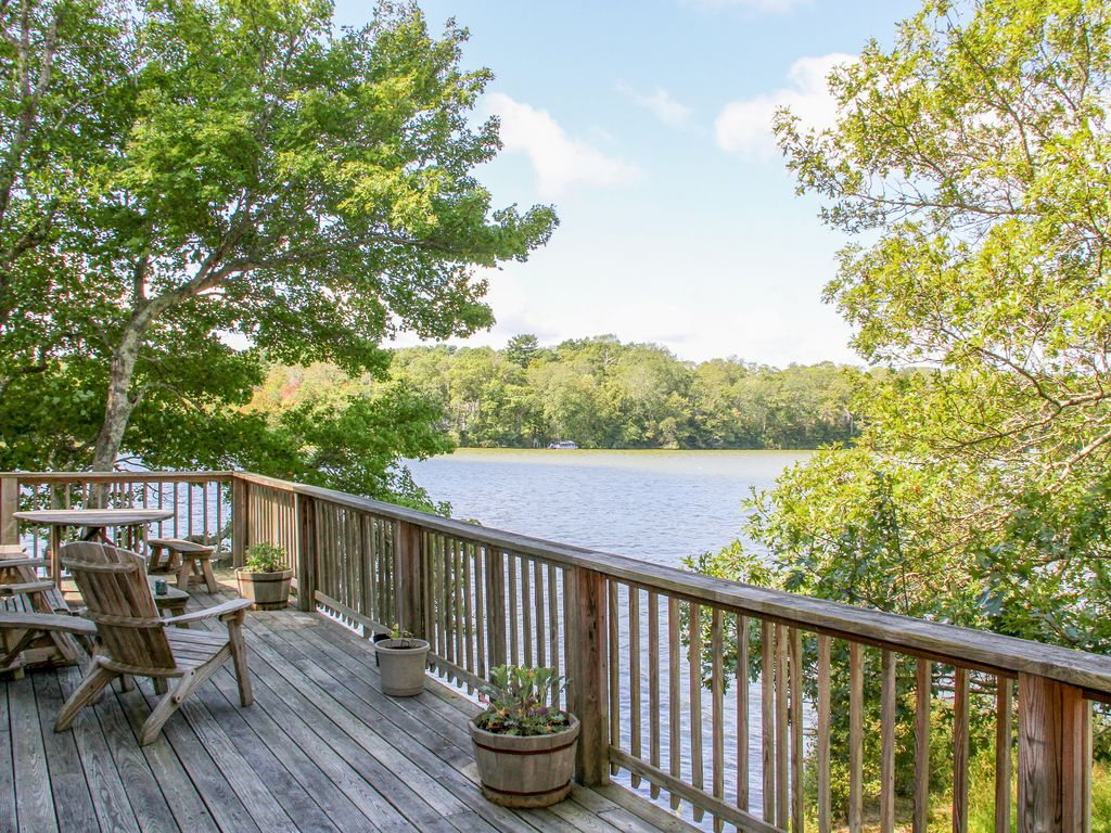 Lakeside point of view 3br in scenic mashpee setting w for 20 20 window cleaning mashpee ma