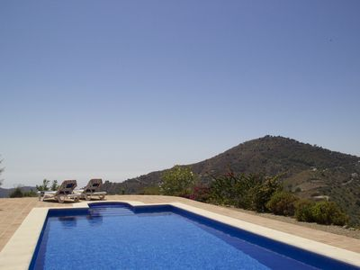 Photo for Exclusive villa with large private pool, free Wifi and 360 ° views to the sea and mountains