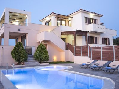 Photo for Villa Saint George, private pool & panoramic sea view close to Rethymno city