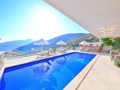 Photo for Beautiful Sea view, 4 Bedroomed Villa