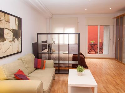 Photo for Loft Parc Guell apartment in Gràcia with WiFi, air conditioning, balcony & lift.