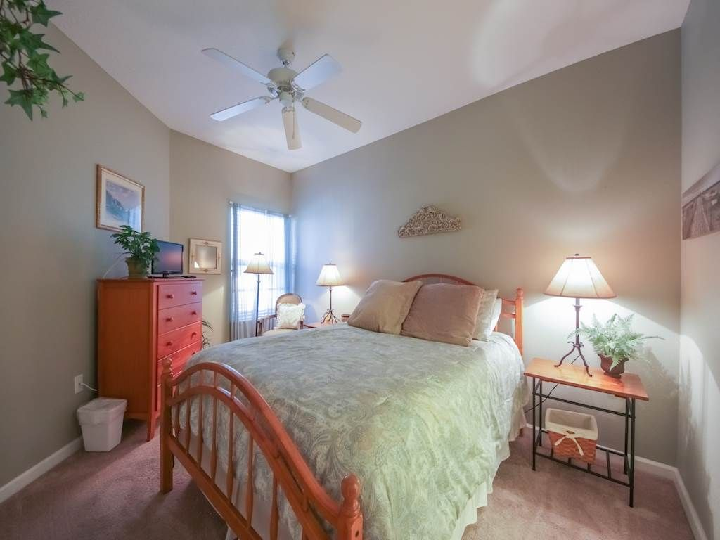 CHARMING 2br BEACH HOME, Sleeps 9! Perfect for FAMILIES & Available THIS SUMMER!