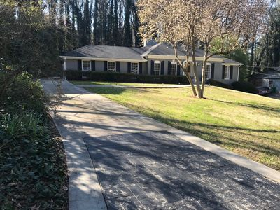Photo for Amazing 4 bedroom home with easy access to I-85 & I-285, Super Bowl ready!