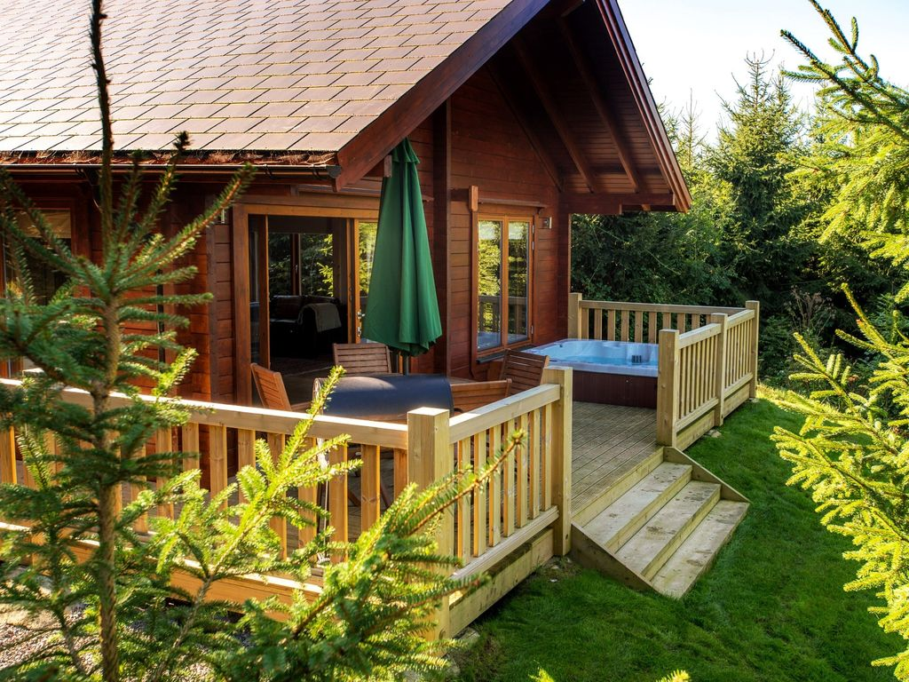 2 bedroom log cabin in dorchester 31884 dorchester dorset for Two room log cabin