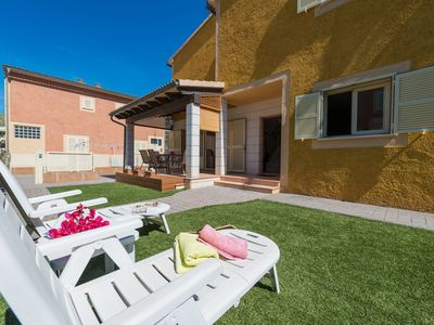 Photo for PERETA - Chalet with private garden in Port d'Alcudia.