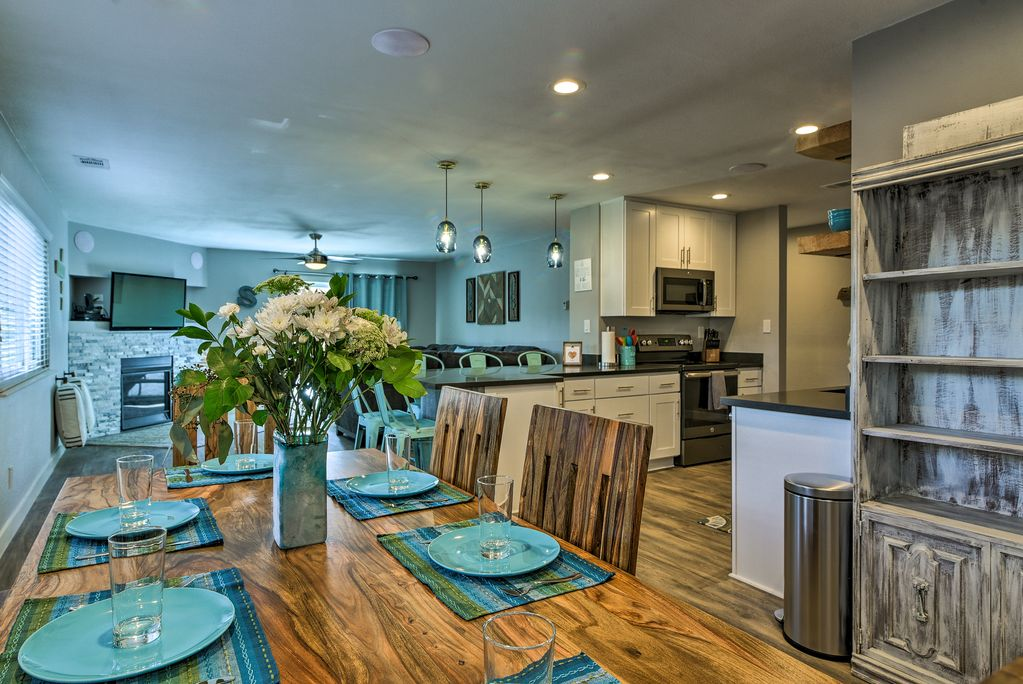 Your New Updated Home Away From Home In South Lake Tahoe Awaits!