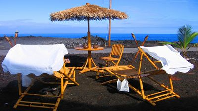 145 ft Almost Oceanfront Hula Hut-Quiet Getaway-Whales-Spa tub-Sound Waves