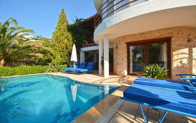Photo for Private villa with heated pool and separate 1 bed apartment