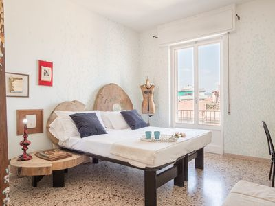 Photo for Artista di Firenze. Comfortable apartment in a tranquil residential  area