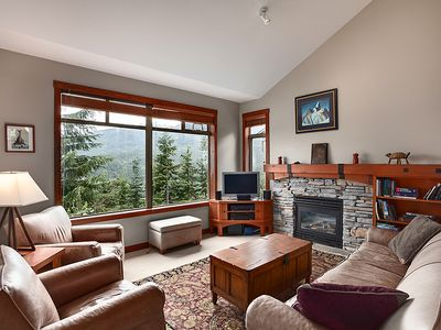 Photo for Comfortable Luxury Townhouse W/ Panoramic Views, Ski-In/Ski-Out Access, Hot Tub