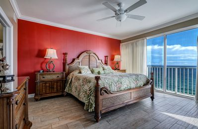 Photo for PARROTDISE FOUND at Boardwalk Beach Resort 1804  Beachfront  2 King beds + bunks
