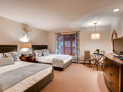 Photo for Luxury Two Queen Bed Vail Lodge Room, Ski-in/Ski-out, Hot Tub, Pool