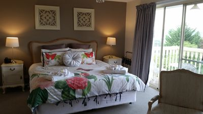 Photo for Luxury B&B in Margate close to Hobart & Bruny Is