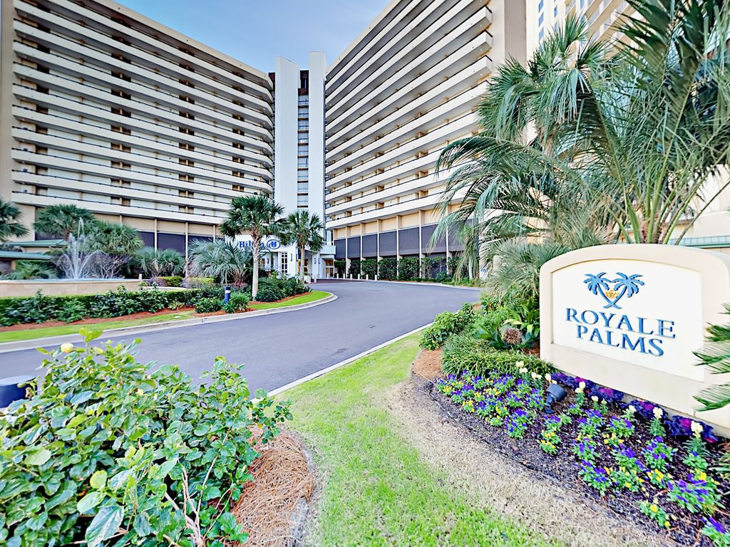 Ocean-View 2BR at Royale Palms – Walk to Pr... - VRBO