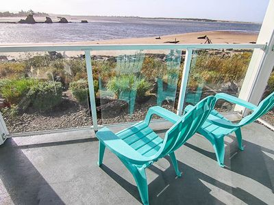 Photo for Bay Front Condo w/ Stunning Bay & Oceanviews, Shopping, Dining, Beach Nearby