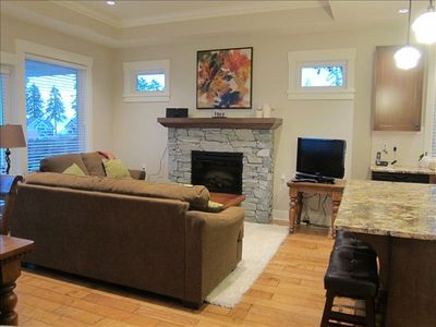 Cozy Great Room with fireplace and 32 in. LCD TV with cablevision and DVD player