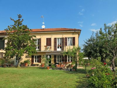 Photo for Vacation home Cascina Vicentini (SIC150) in Moncalvo - 6 persons, 3 bedrooms
