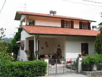 Photo for Villa with garden in the countryside 10 minutes from the center of Aulla