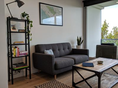 Cosy lounge with books and board games