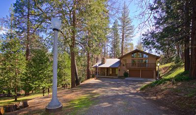 Photo for Nature's Haven - Custom Cabin Bordering Nat. Forest By Yosemite/Bass Lake