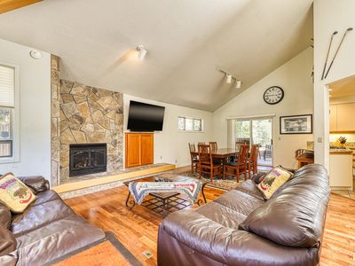 Photo for Private hot tub, dog-friendly home offers SHARC access & space for the family!