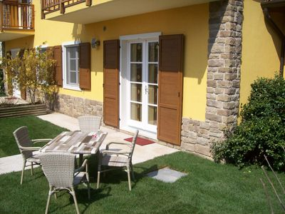 Photo for Apartment with garden, heated pool, Wifi, indoor parking