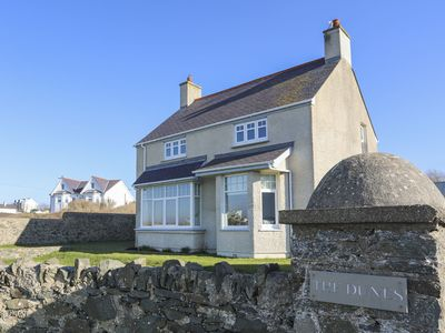 Photo for DUNES - RHOSNEIGR, pet friendly in Rhosneigr, Ref 1008815