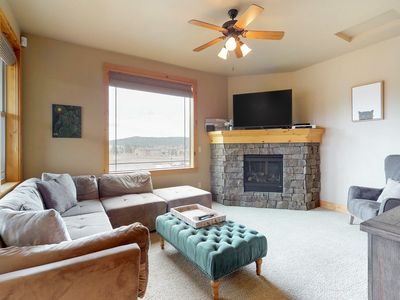 Photo for Comfortable house w/ river & mountain views - close to Old Mill