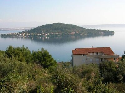 Photo for Apartment with large pool in Villa Franco-Croatian