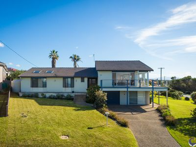 Photo for 106 Ocean Parade Dalmeny