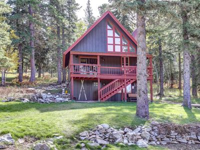 Photo for Newly Remodeled, Family- Friendly Cabin Close To The Ski Slopes!